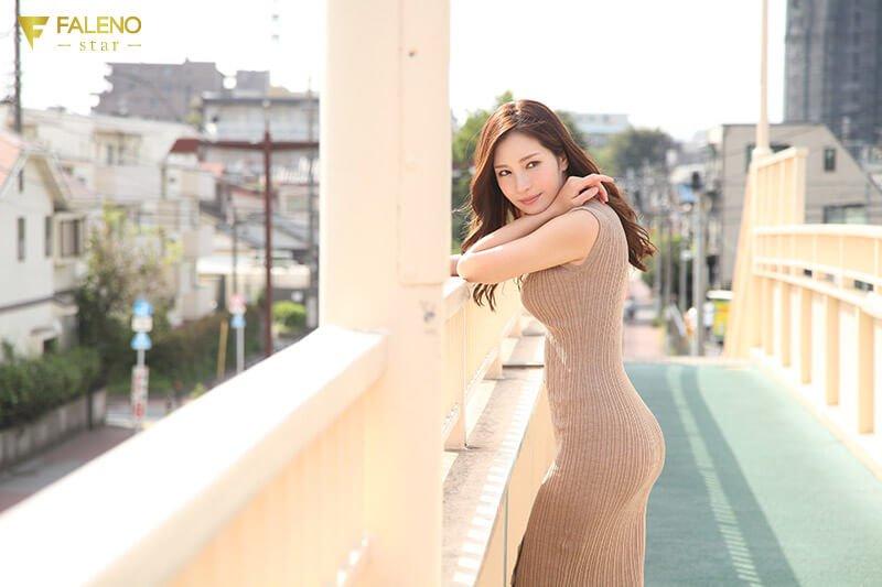 小野夕子 FALENOstarデビュー作品『謎のFALENO star専属 この巨乳美女は誰だ!? 小野夕子』画像10
